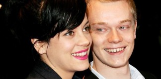 Lily Allen, Alfie Allen are posing for a picture - Lily Allen
