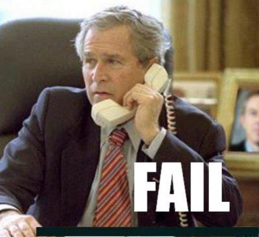 """FAIL : Un chat se prend une vitre dans l'émission """"La meilleure boulangerie de France"""" - George W. Bush sitting on a table - George W. Bush"""