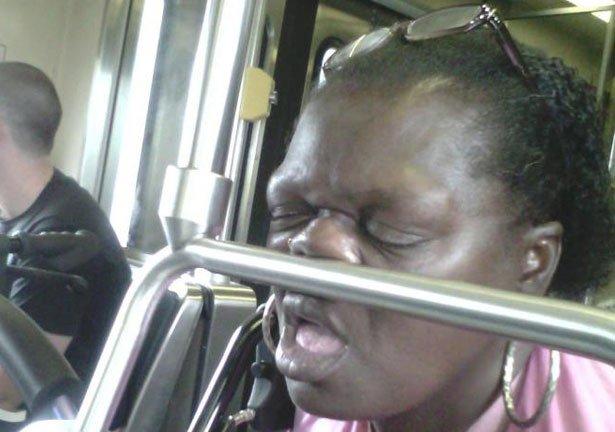 Dormir dans le métro 4