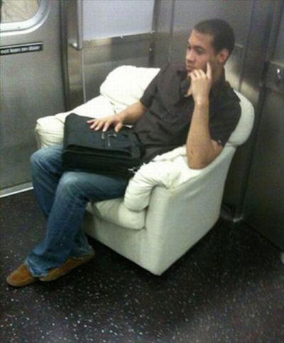 le metro et les gens chelous 3