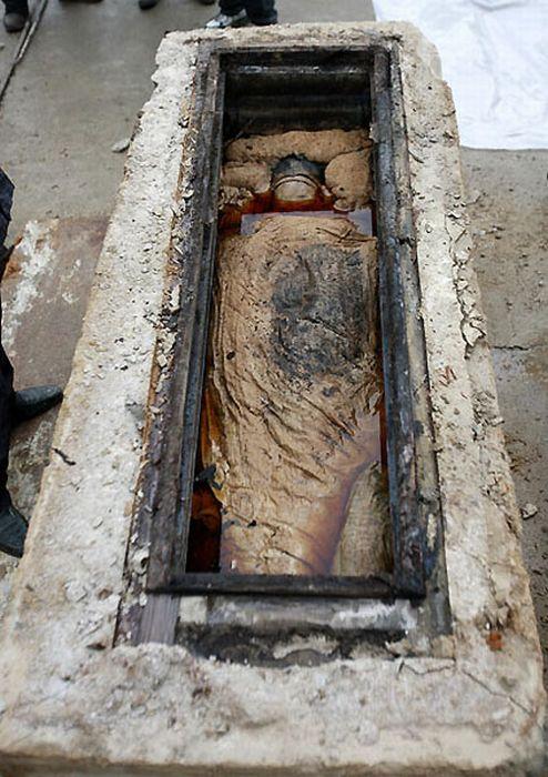 Une tombe de 700 ans-5