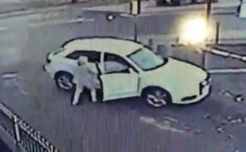 Voleur de voiture VS une femme
