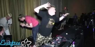 Le pire DJ du monde