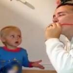Un enfant n'en croit pas ses yeux