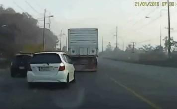 chauffard-chanceux-double-camion