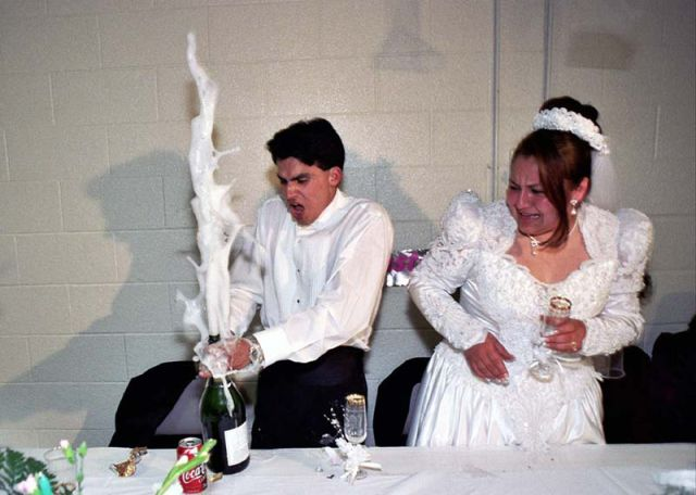 crazy_candid_and_totally_laugh_out_loud_wedding_moments_640_42-L