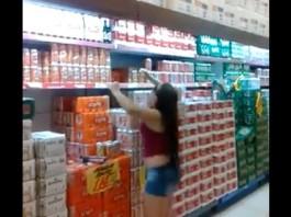 fille-produit-haut-supermarche