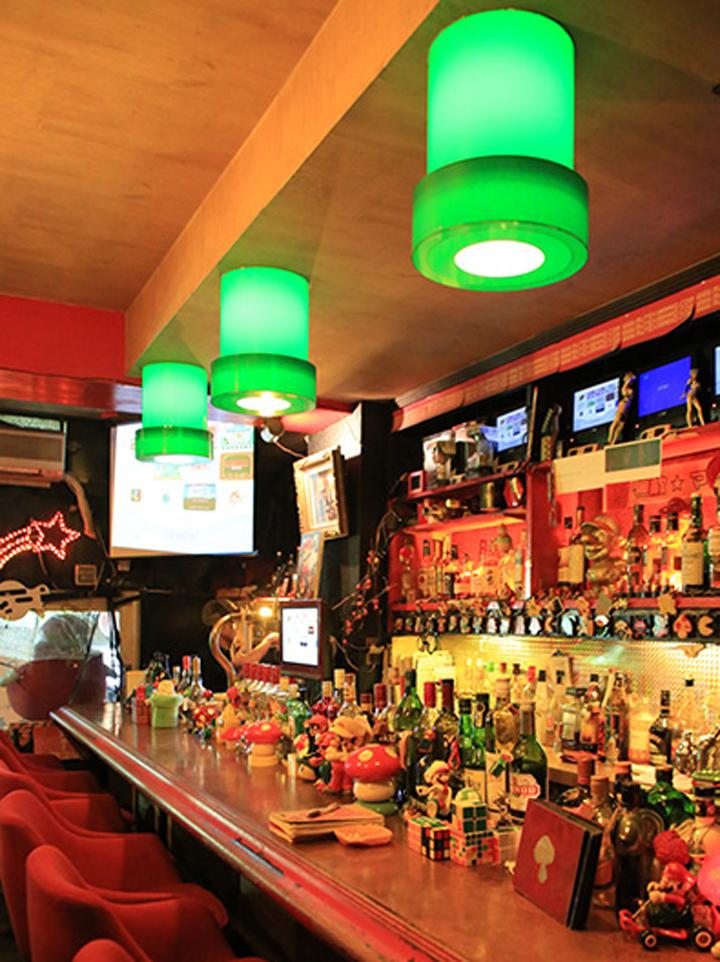 Star-Club-bar-mario-Japon-9