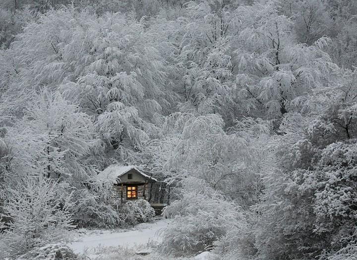 maison-dans-la-neige-720x525