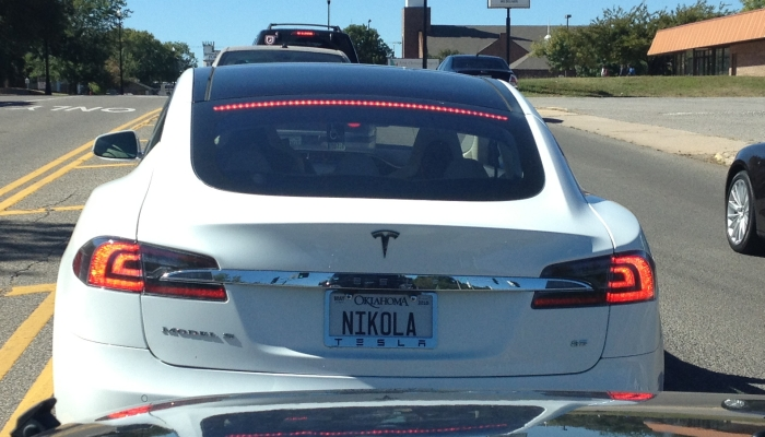 plaque-immatriculation-Nikola-Tesla