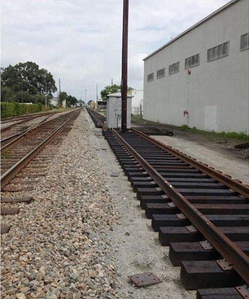 train-track-fail-L