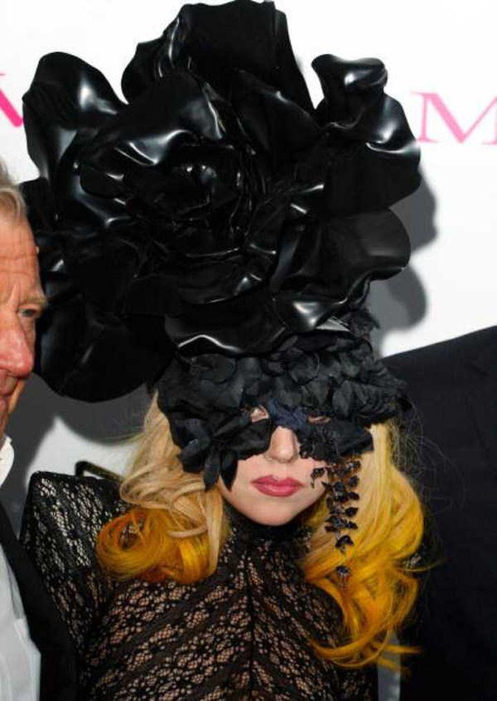 Lady-Gaga-Tenues-Mode-11-720x1014