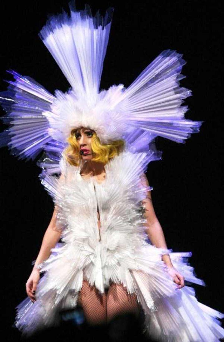Lady-Gaga-Tenues-Mode-22-720x1099