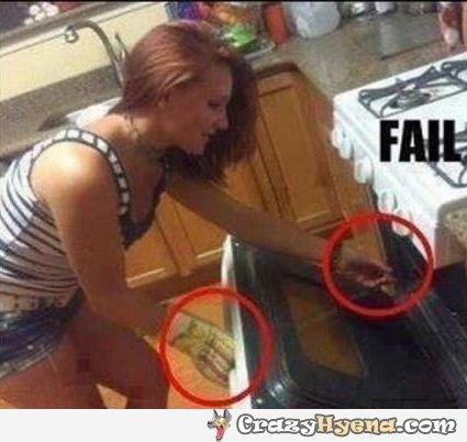 fail-gloves-girl-kitchen-oven-L
