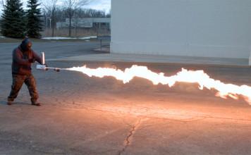 xm42-lance-flammes-2
