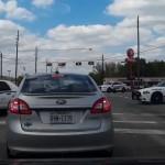 amusante-course-poursuite-pick-up-voitures-police