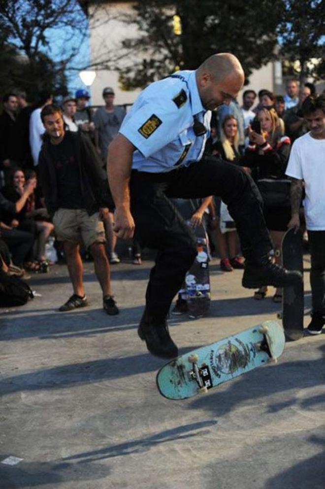 policier-cool-3-720x1082-L