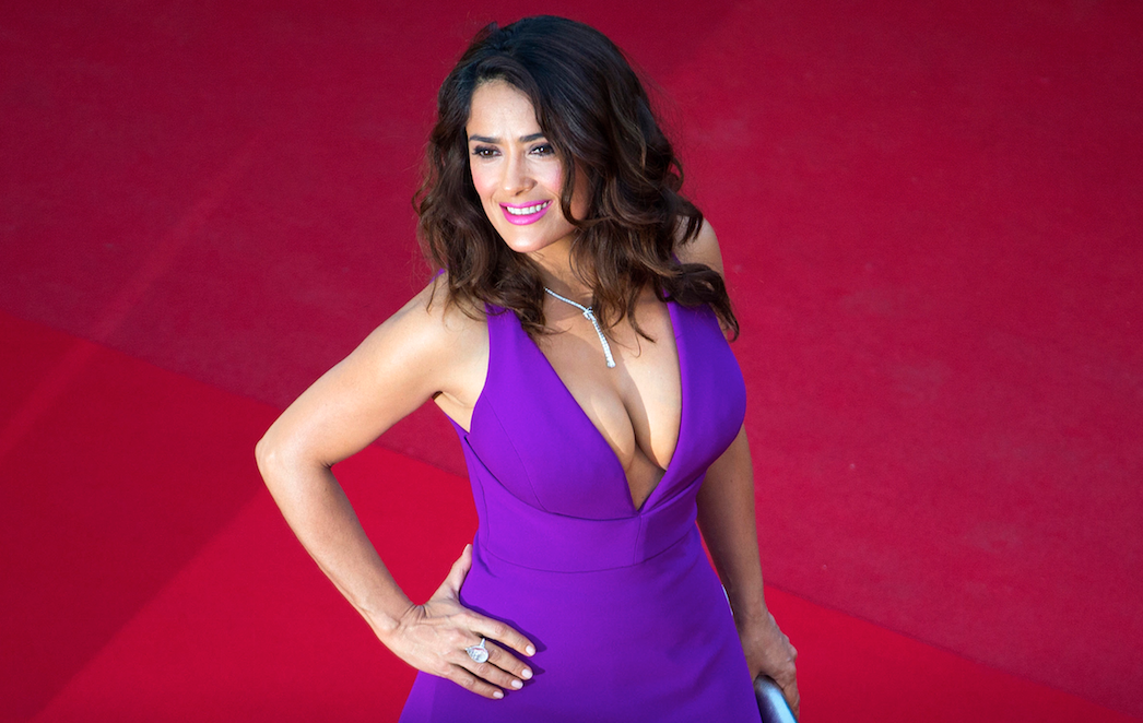 Salma-Hayek-decollete-cannes-2015