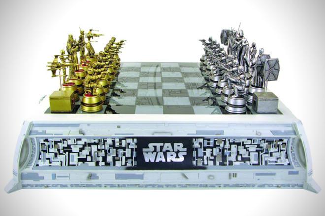 Star-Wars-Chess-Set-L