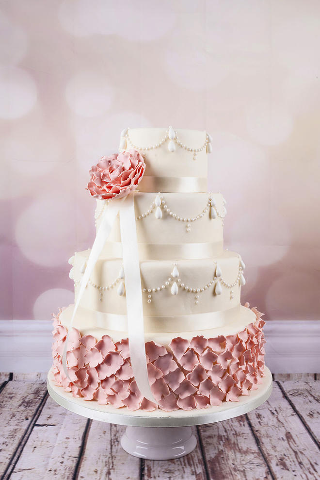 Wedding-couture-cakes11__880-L