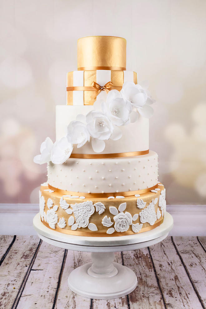 Wedding-couture-cakes16__880-L
