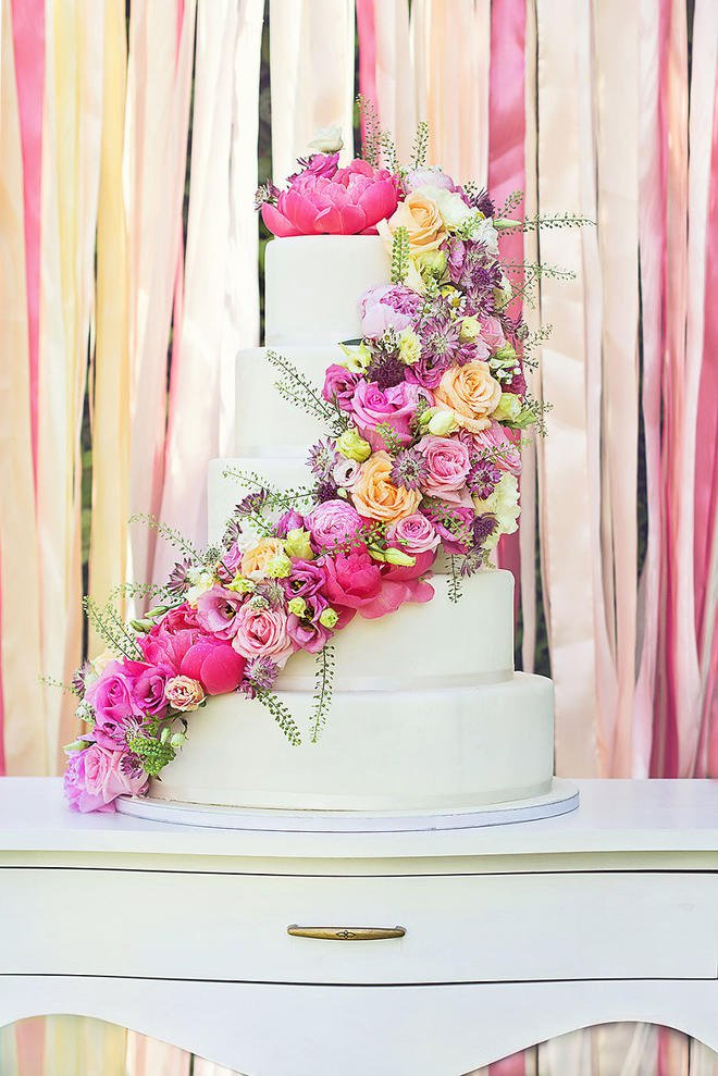 Wedding-couture-cakes18__880-L