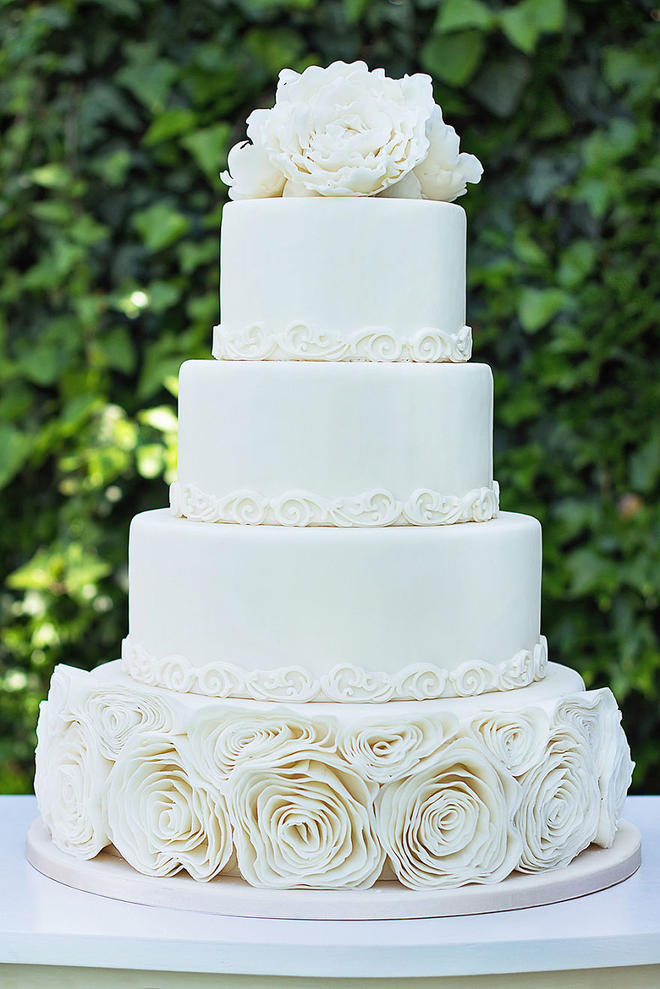 Wedding-couture-cakes19__880-L