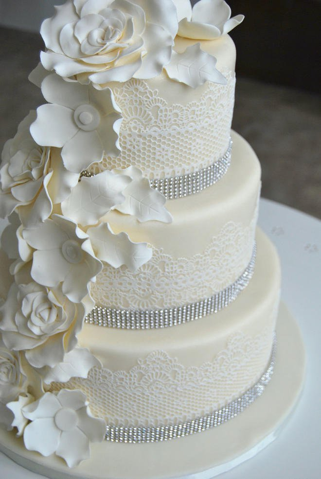Wedding-couture-cakes22__880-L