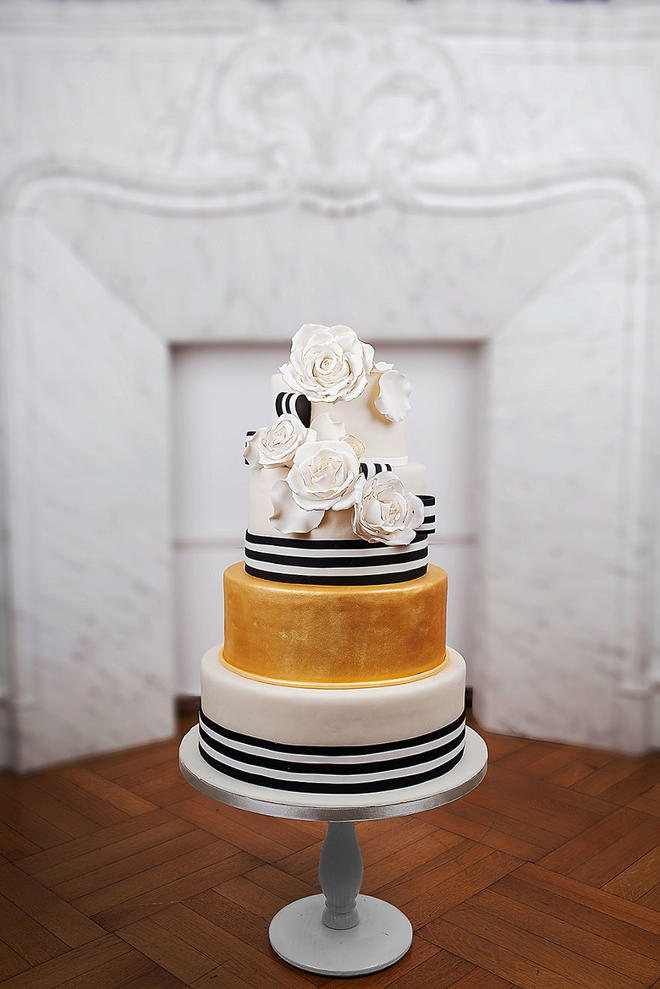 Wedding-couture-cakes6__880-L
