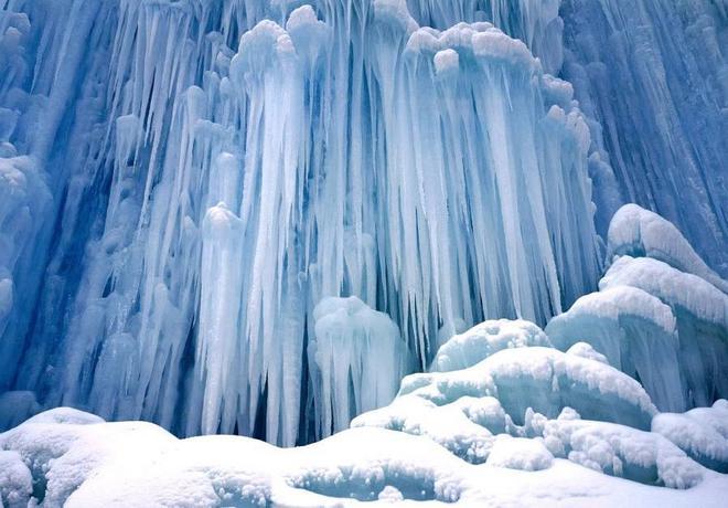 cascades_Chutes_de_Ice_Castle_Yoho_National_Park_Colombie_Britannique-L