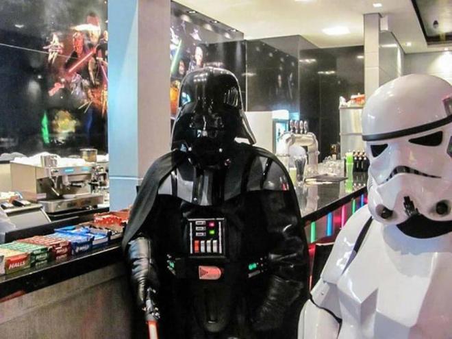 go-go-go-un-restaurant-a-theme-star-wars-a-ouvert-ses-portes-3-L