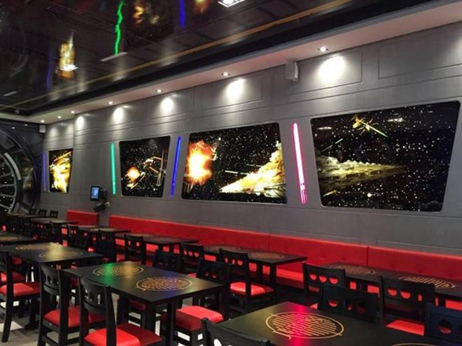 go-go-go-un-restaurant-a-theme-star-wars-a-ouvert-ses-portes-4-L