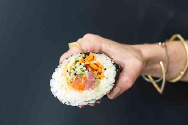sushi-burrito-2-L
