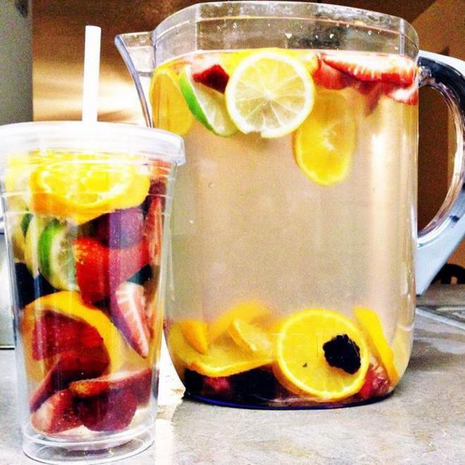 water-detox-fruits-2-L