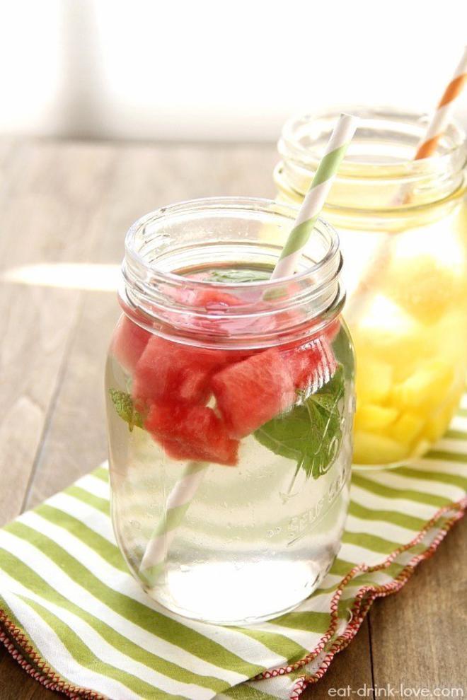 water-detox-pasteque-menthe-L