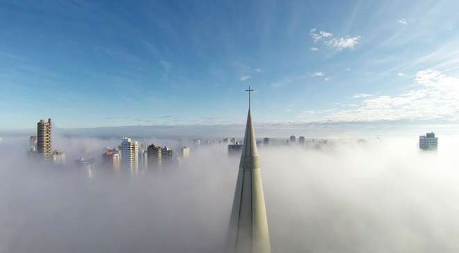 1st-Prize-Category-Places-Above-the-mist-Maring-Paran-Brazil-by-Ricardo-Matiello-L.jpg