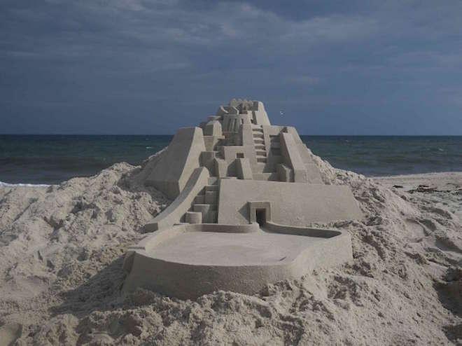 sand1-L.jpg