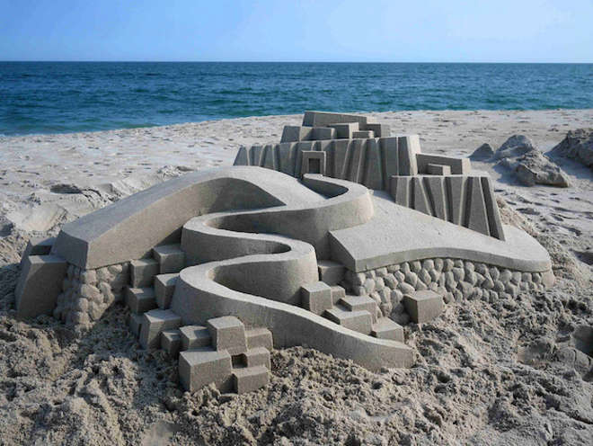sand10-L.jpg