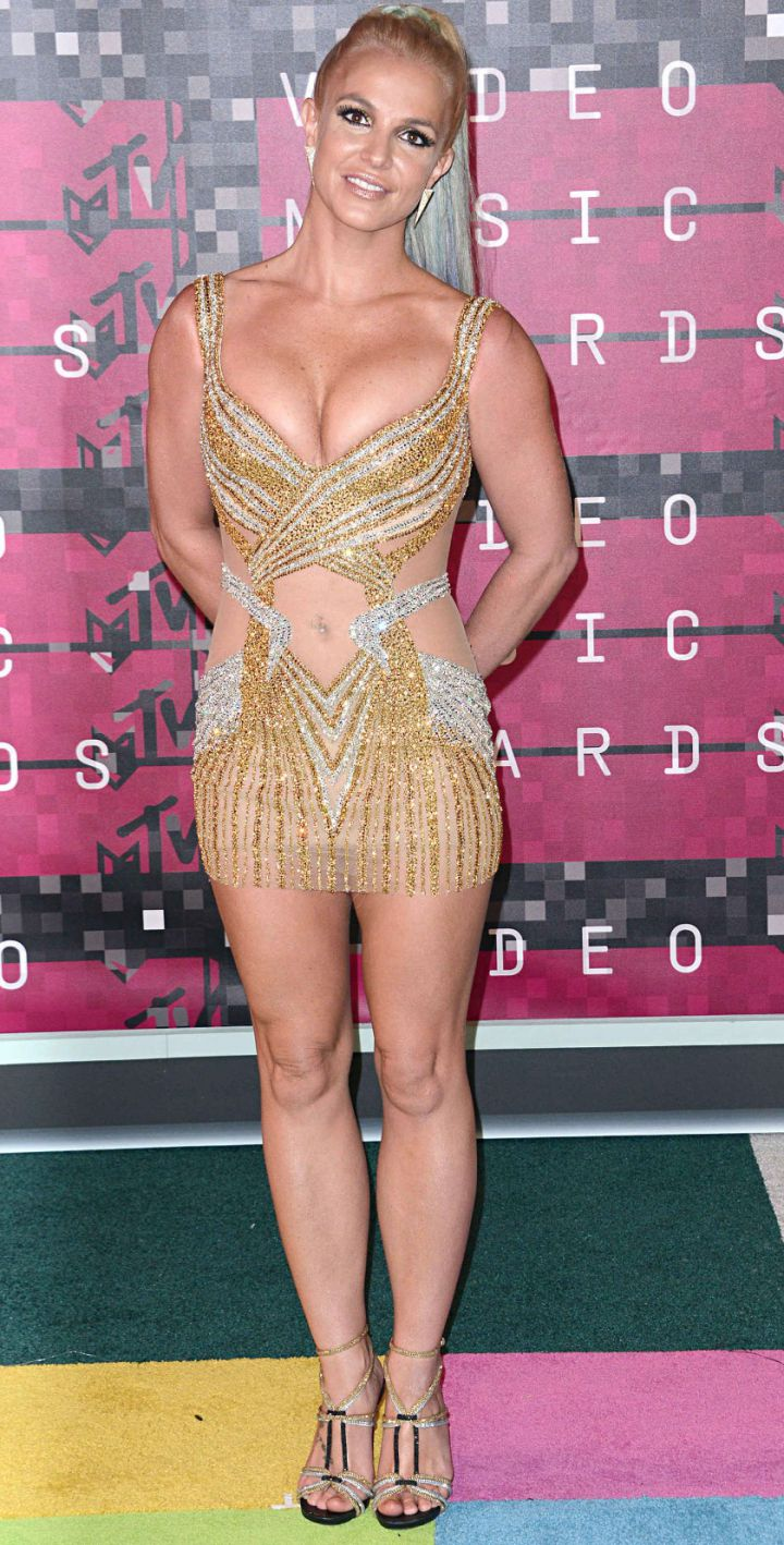 Britney-Spears-MTV-VMA-awards-2015-720x1418