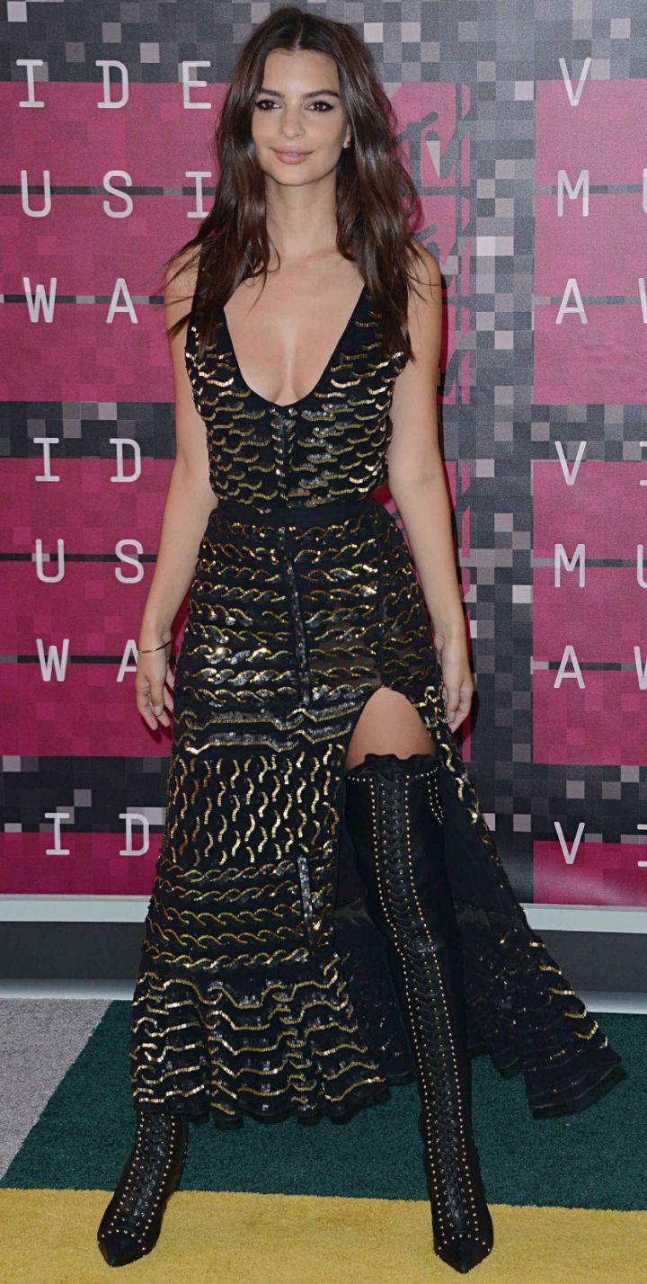 Emilie-RatakowskiMTV-VMA-awards-2015-720x1428