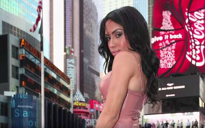 kardashian-sosie-3-L.png
