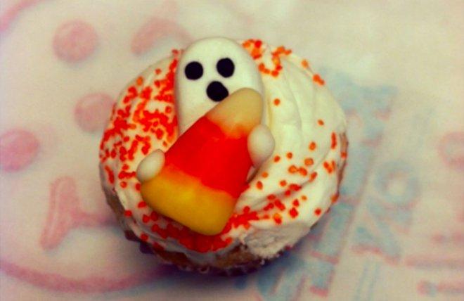 9. cupcake ghost 660