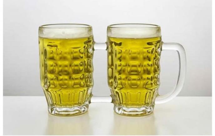 La double pinte, pas pratique pour boire