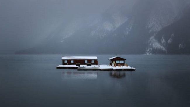 Maison-sur-un-lac