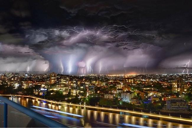 Orage-a-Brisbane-en-Australie