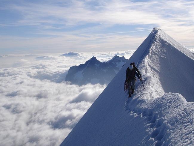 Regardez-ou-vous-mettez-les-pieds-alpinisme