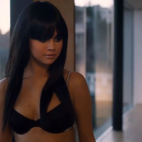 Selena-Gomez_portrait_1