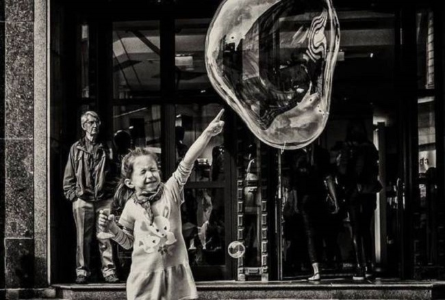 petite-fille-vs-bulle