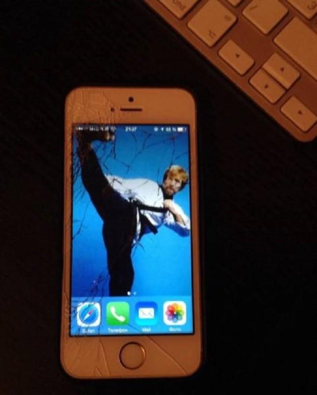 Chuck-Norris-iPhone