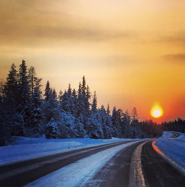 Coucher-de-soleil-à-Kuusamo-en-Finlande